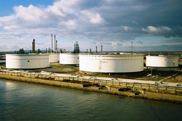Precio a la baja del petróleo